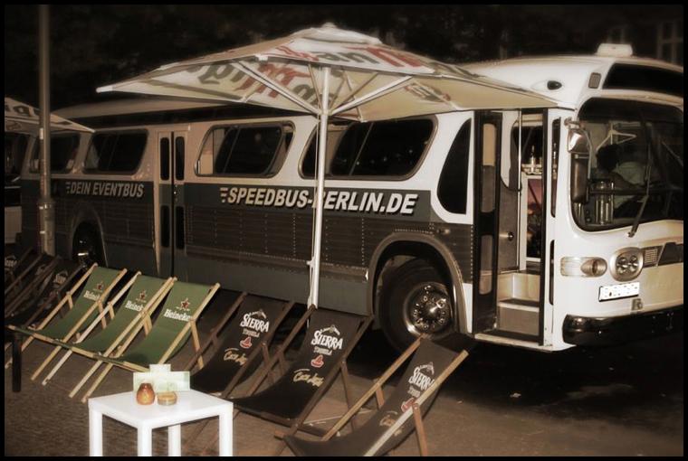 partybus zum junggesellinnenabschied mieten berlin. Black Bedroom Furniture Sets. Home Design Ideas